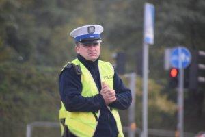 zdjęcie kolorowe: śląscy policjanci podczas  zabezpieczenia XI Silesia Marathon w Katowicach